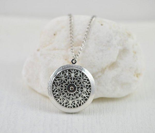 Round Aromatherapy Diffuser Essential Oils Lava Stones Pendant Necklace
